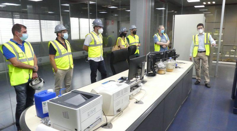 UGT, CCOO y USO visitan Cementos Portland Valderrivas